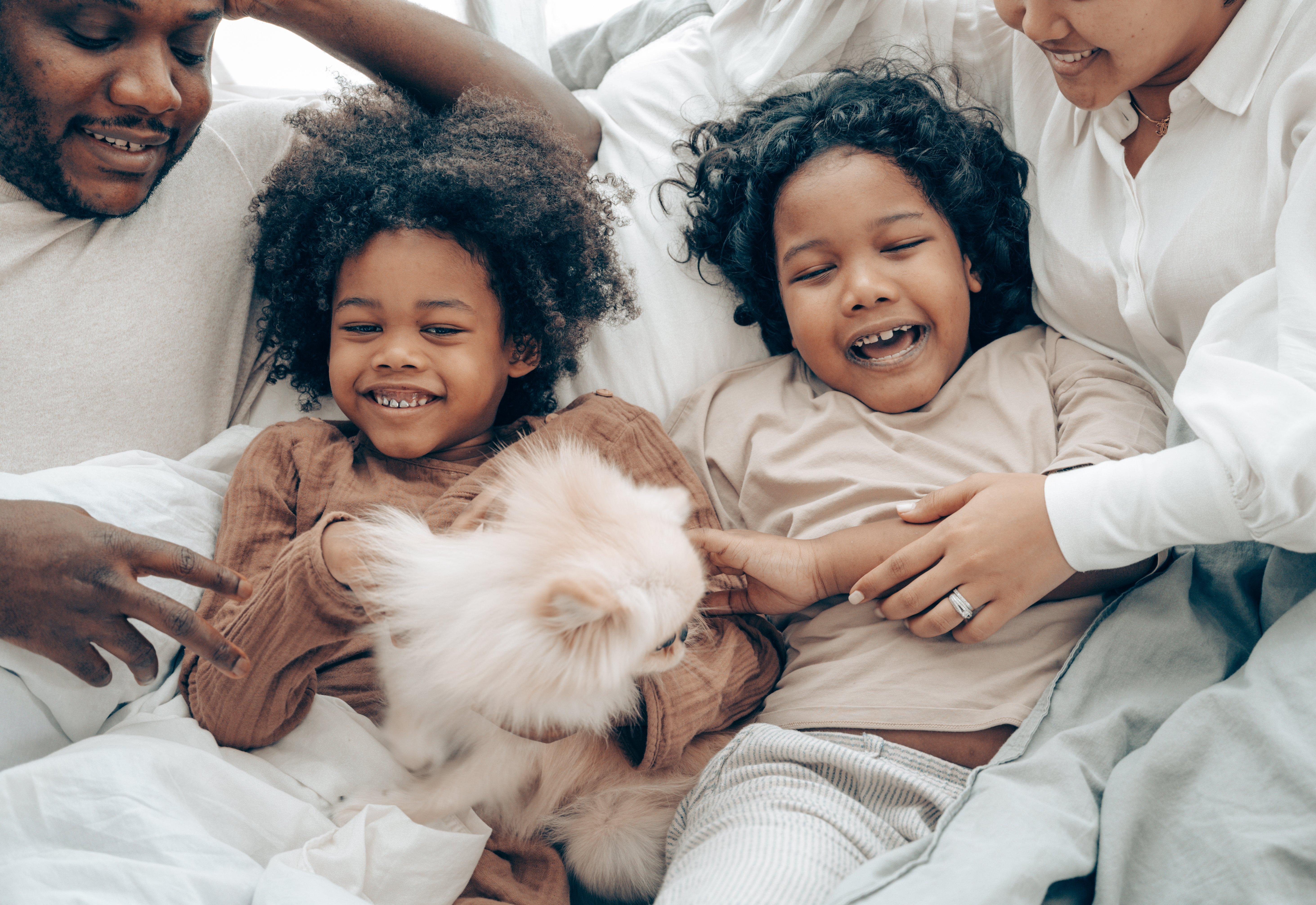 happy-family-smiling-4545205